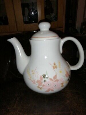 Boots Hedge Rose Teapot • 7.50£