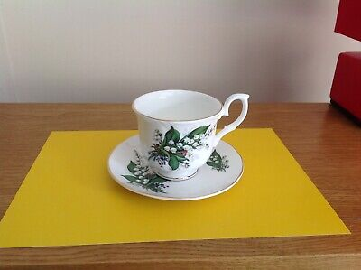 SHELTONIAN English Bone China Floral Cup And Saucer   • 6.99£