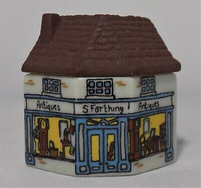 Miniature Wade Whimsey On Why Antique Shop Set 2 1981  No.10  • 11.95£