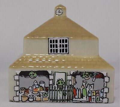 Wade Whimsey On Why Market Hall  Set 4 No.32 1984 Miniature • 11.95£