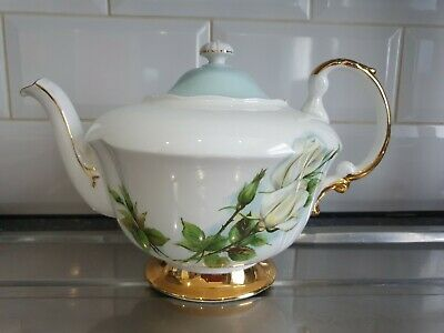 Paragon Teapot Roses By Harry Wheatcroft Damaged  • 10£