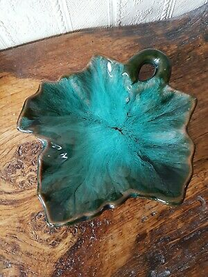 McMaster Canada Pottery Maple Leaf Trinket Dish 6  • 4.99£