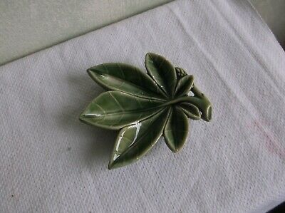 Vintage Wade Ireland  Glazed Porcelain  Green Leaf Trinket/pin Dish. • 0.99£
