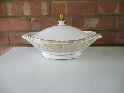 Royal Doulton Covered Vegetable Dish - Sovereign  • 20£