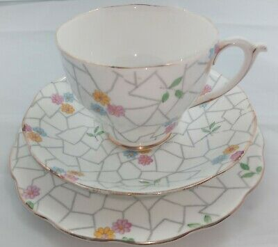 Vintage Trio Comprising Of Cup Saucer And Plate Roslyn Fine Bone China  • 0.99£