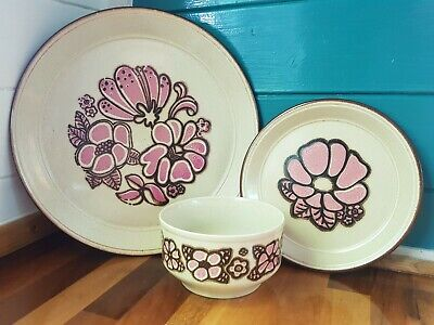 Vintage Kiln Craft Pink Festival 2 Plates And Bowl Set Lovely Condition • 14.99£