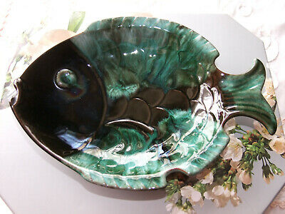 There Is Nothing Fishy About This Fab Vintage Blue Mountain Pottery Fish Dish  • 10£