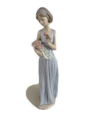 Lladro Nao Lady With Flowers 1350 Tall Statue • 30£