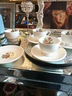 Wedgewood Moss Rose Cups & Saucers • 38£