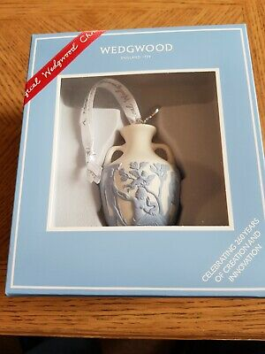 Wedgwood Jasperware Christmas Tree Decoration Portland Vase New And Boxed • 29£