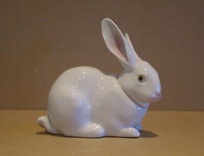 ### Lovely Lladro Figurine -  Attentive Bunny  5905 ### • 45£