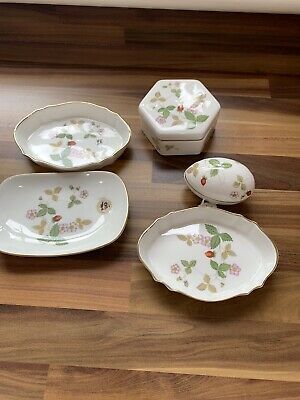 Wedgwood Wild Strawberry Selection.  • 18£