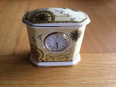 Wedgewood Atlas Pattern Clock • 7£