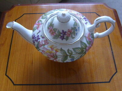 Paragon Country Lane Bone China Small  Two Cup Breakfast Teapot  • 7.99£