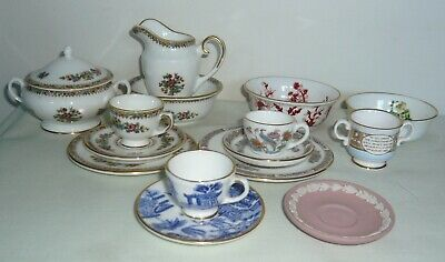 Collection Of MINIATURE Items ~ Coalport Ming Rose, Wedgwood Kutani Crane + More • 29£