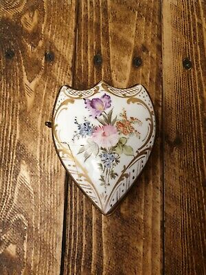 ANTIQUE Victorian Serpentine / Heart Shaped Trinket Box. Hand Painted Flowers • 7.77£
