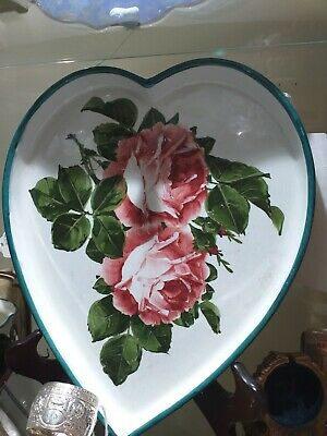 1890 Wemyss Heart Shaped Dish • 450£