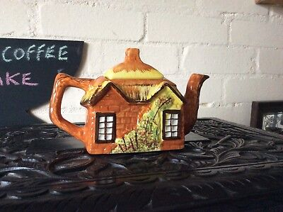 Arthur Wood 'Morton Old House' Cottage Tea Pot • 12£
