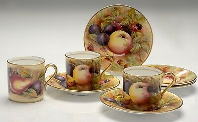Vintage Aynsley Orchard Gold Cups And Saucers Signed • 34£