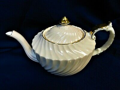 Aynsley Teapot In Pale Pink Swirl Pattern With Gold • 8.50£