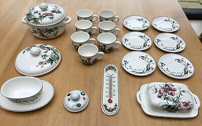 Villeroy & Boch Botanica - Collection Including Cups & Saucers • 30£