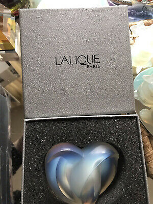 Lalique Opalescent Paperweight • 175£