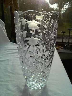 Large Hand Cut Lead Crystal Vase - Floral Decoration - High Quality • 24.95£
