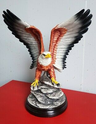 Large Pottery Eagle Captured With Speed Wings: Perfect Condition • 10£