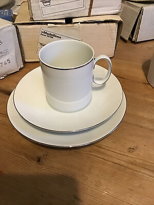 Set Of 6 Thomas Medaillion 745 Thin Platinum Band Cups, Saucers & Side Plates • 9.50£
