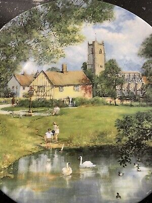 Beautiful Royal Doulton Plate- Traditional English Scene The Village Pond 1990. • 3.99£