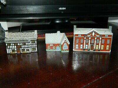 Wade Whimsey-on-wye  Houses X 3 • 4.99£