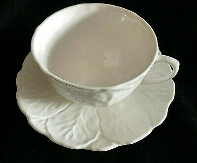 Wedgwood / Coalport China White Countryware Large Breakfast Cups & Saucers • 25£