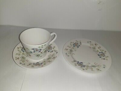 Vintage Queen Anne China Trio Cup Saucer & Tea Plate Pattern 8649 • 8.99£