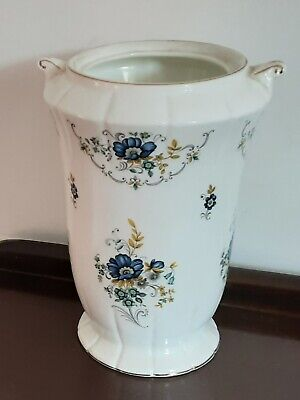 VINTAGE   ROYAL  TARA  BONE   CHINA  See Details • 65£