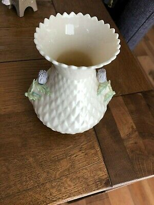 Vintage Belleek Diamond Quilted Thistle Vase Ivory • 10£