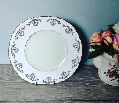 """Beautiful Harlequin Pastel Green 9"""" Cake Plate  By Royal Vale • 9.99£"""