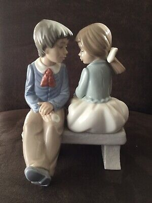 Lladro (nao) Figurine - 'first Love' (1990) Boy And Girl On A Bench • 17£