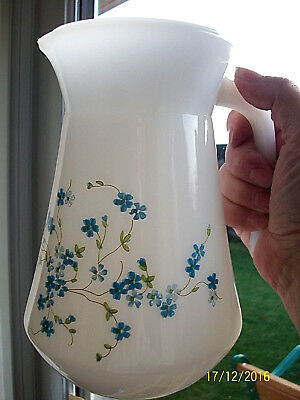 Jug. Arcopal.Veronica. .Pyrex Type.Blue.Forget Me Nots . Made In France • 12.50£