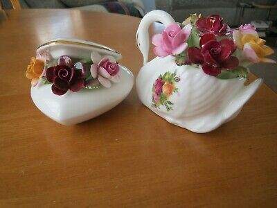 2 Royal Albert Old Country Roses Floral Swan/floral Heart Box 1st Good Condition • 8.99£