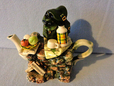 ** Exquisite Detailed Hikers Rest Cardew Teapot ** ** In Excellent Condition ** • 24.99£