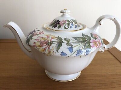 Paragon By Appointment Country Lane Teapot • 22£