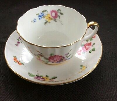 Royal Worcester Breakfast Cup And Saucer Pattern 2190 • 4£