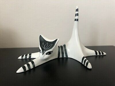 Mid Century Modern: Jersey Pottery Ring Tail Cat Pottery Ornament • 13£