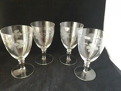 Four Delicate  Vintage Etched Wine Glasses (7g) • 5.99£