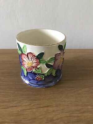 Maling Ware Pot - White/ Blue With Purple And Pink Flowers • 2.99£