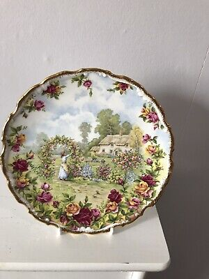 Royal Albert A Celebration Of The Old Country Roses Garden - 1986 • 12.51£