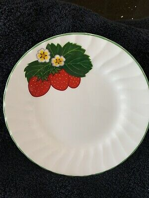 """Rare Royal Kendal Tiptree Fine Bone China Made In England 6"""" Plate Strawberry's • 2.50£"""