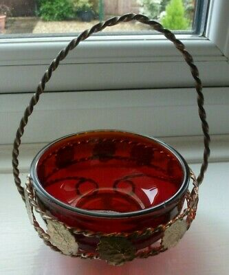 Vintage Small Ruby Red Sweet Dish • 2.90£