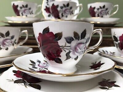 Vintage Colclough Amoretta Red Roses Bone China  19 Piece Part Tea Set 7906 • 23.99£