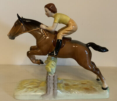 VINTAGE BESWICK GIRL ON A JUMPING HORSE FIGURINE- MODEL 939- JUMPING FENCE -27cm • 100£